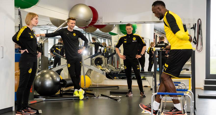 Usain Bolt A Guest At Borussia Dortmund Bvb De